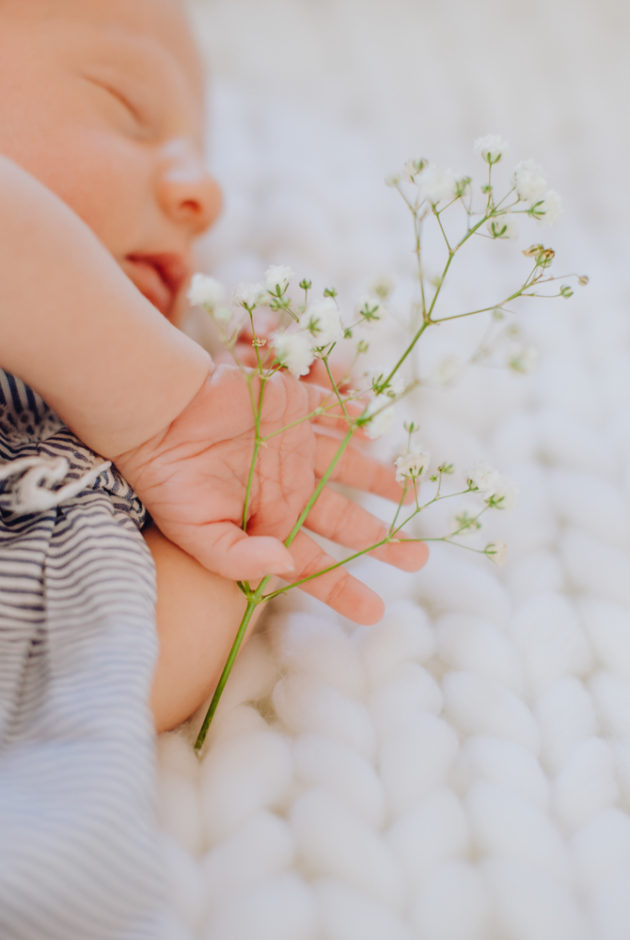 Newborn Photographer Paris & Provence